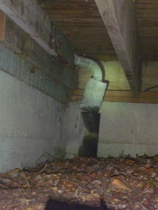 a home inspection of a downspout revealed leakage on this Illahe home inspection